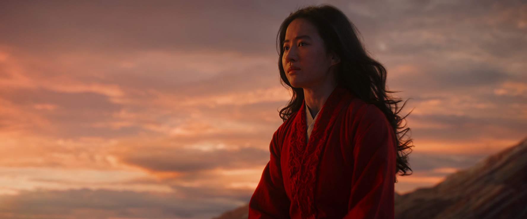 ดูหนังออนไลน์ ปฏิกิริยาแรกของ Mulan แนะนำให้เสพสมกับวิญญาณของดั้งเดิม