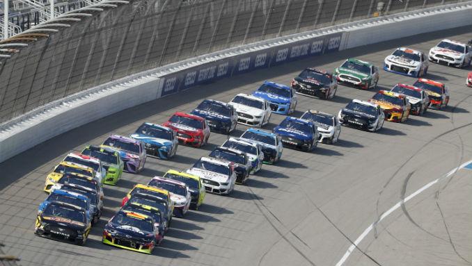 NASCAR ข้อตกลง BetMGM สามารถเพิ่มการเดิมพันในการแข่งขันได้