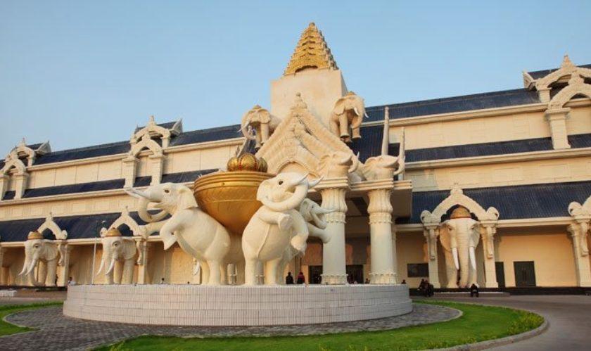 สะหวันเวกัส SAVAN VEGAS HOTEL CASINO